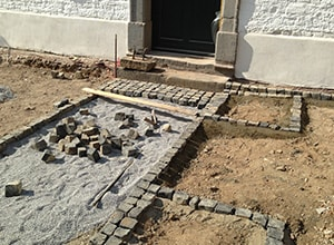 Baustelle zur Erstellung eines neuen Gartens von Adolf Gärtner